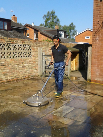 Driveway cleaners serving Stratford upon Avon
